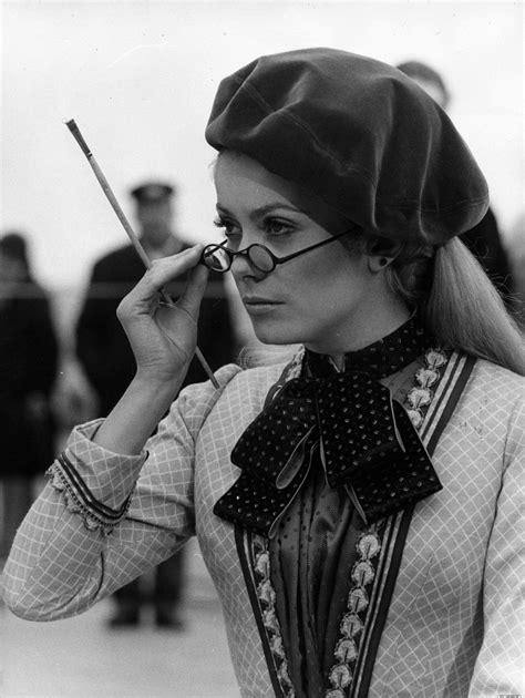 filmler ve giydikleri: Siyah Beyaz: Catherine Deneuve