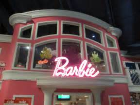 barbies house at times square toys r us