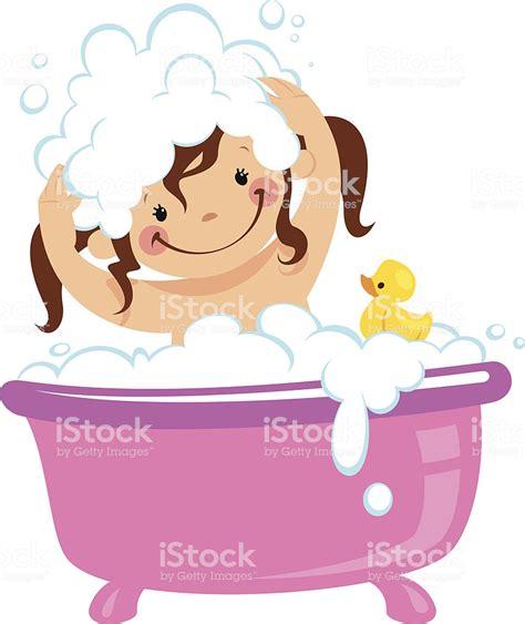 laver baignoire b 233 b 233 enfant fille se baignant dans la baignoire et se