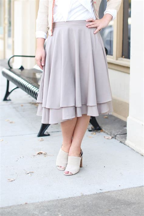 Best 25  Long lace skirt ideas on Pinterest   Lace