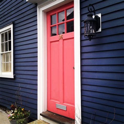 bright blue front door 25 best ideas about blue house exteriors on pinterest