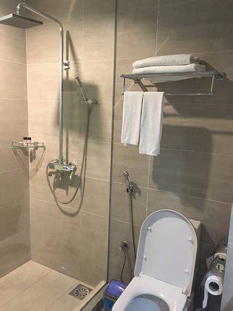 Modern Bathroom Fittings by Clean And Modern Bathroom Fittings Picture Of Ipoh