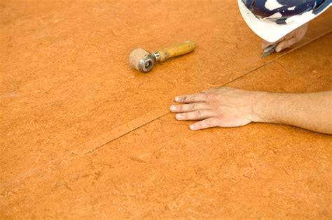 Kratzer Im Vinylboden Reparieren vinylboden reparieren 187 anleitung in 4 schritten