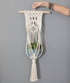 How To Macrame A Plant Hanger - how to make macrame plant hanger easy simple landscaping