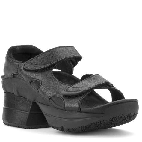 z shoes z coil fw 05482 sidewinder sandal black leather enclosed