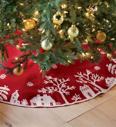 Christmas Tree Skirts by How To Cover A Christmas Tree Base 38 Ideas Digsdigs
