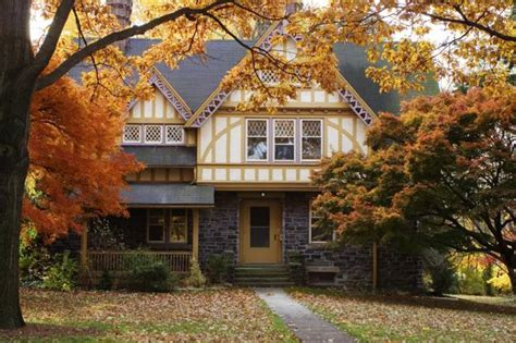 fall house landscaping ideas for colorful fall country home driveways