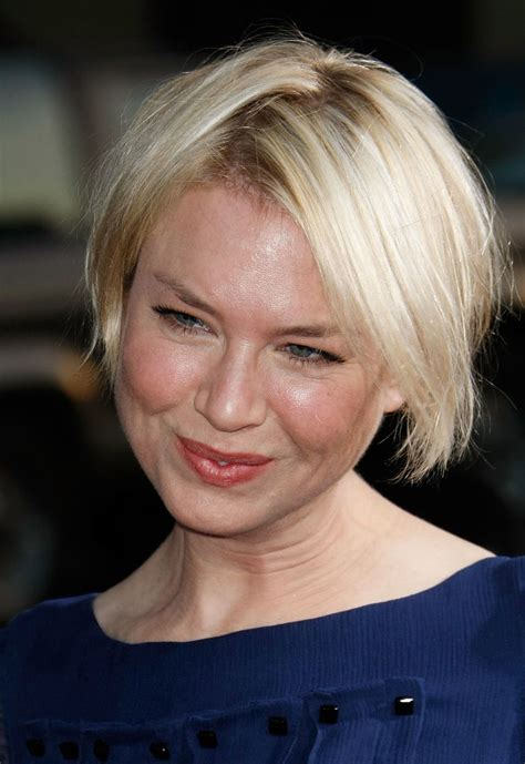 renee zellweger best beauty short and slightly disheveled flattering celebrity hairstyles for round faces