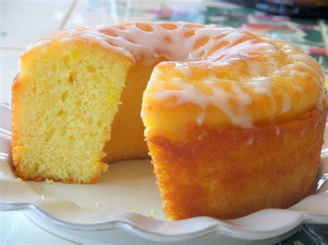 Lemon Cake 1 welcome home lemon cake with lemon vanilla glaze