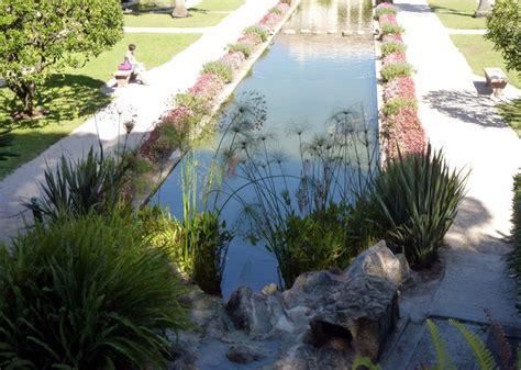 Beau Que Planter Dans Le Jardin #1: bassin-plantes-bord.jpg