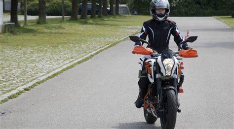 Motorrad Anf Nger Frau by Ktm Duke 125 Taugt Sie Als Einsteiger Und