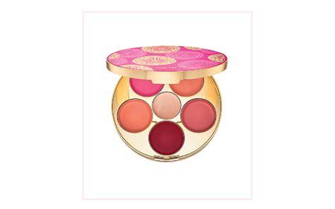 cantik dengan 5 produk blush dan bedak