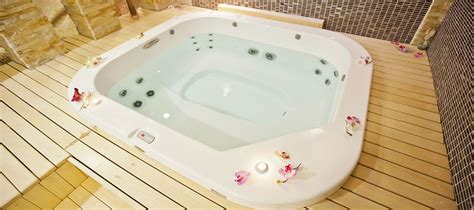 Hotels With Big Bathtubs Uk by Cottages With Tubs Cottages With Or Tub