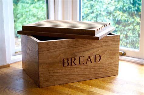 Wooden Bread Bin with Bread Board   MakeMeSomethingSpecial.com