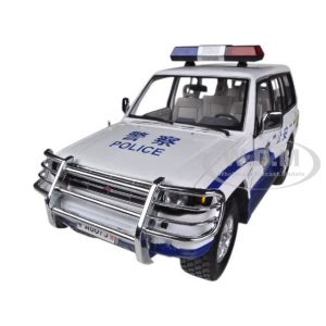 Diecast Car Model Sun 1998 Mitsubishi Pajero Green 1 18 Smal new york city nyc nypd 7 pieces traffic diorama 1 64