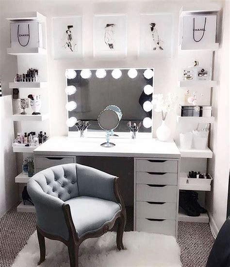 Ankleidezimmer Ideen Instagram by Best 25 Closet Vanity Ideas On Diy Makeup