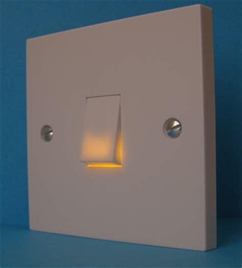 light switch illuminated when on litswitch the illuminated light switch