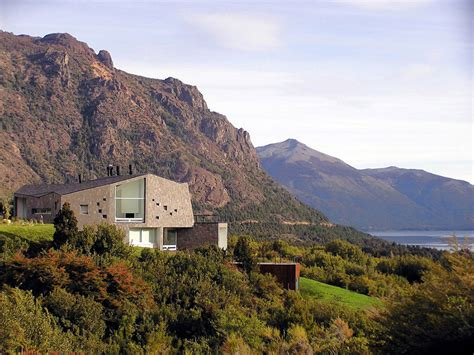 house in the mountains casa s mountain house in argentina by alric galindez