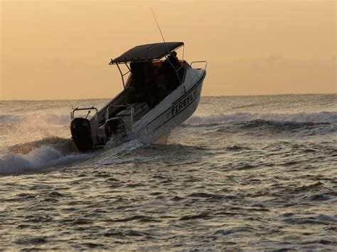 boat accident shelly beach 4 rescued after ski boat capsizes in richards bay