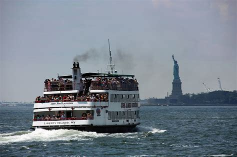 boat battery park new york battery park passengers boat statue of liberty