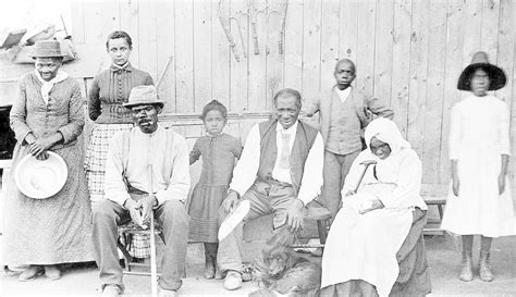 harriet tubman biography family who is harriet tubman abolitionists conductor of