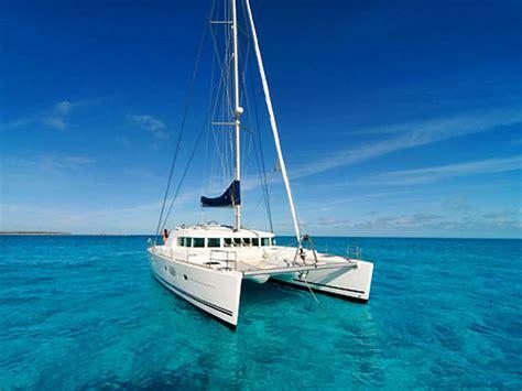 catamaran sailing belize belize catamaran at play ambergris caye