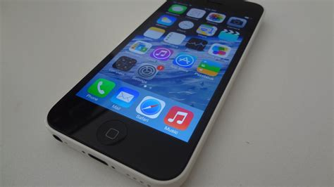 iphone 5c review apple iphone 5c review white