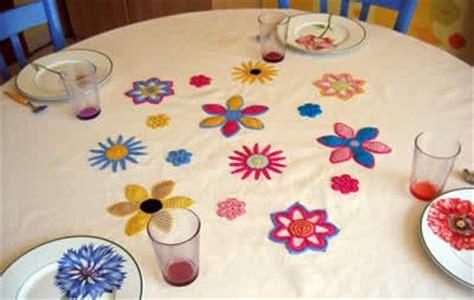 disegni per tovaglie da tavola tovaglia da tavola con fiori all uncinetto arte ricamo