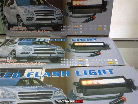 Led Dashboard Kaca Belakang led strobo flash light bisa di tempel di kaca dashboard