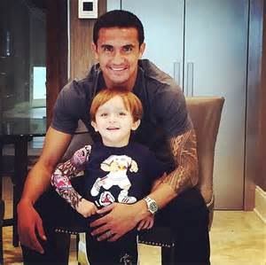 so he can be like daddy socceroo tim cahill posts snap