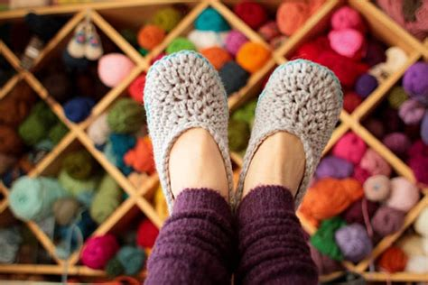 crochet house slippers 29 crochet slippers pattern guide patterns