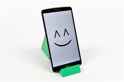 happy phone papercraft smartphone stands visualspicer