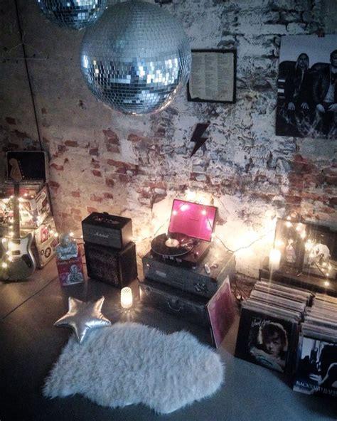 rock n roll home decor santina runaway rock n roll bubble interior