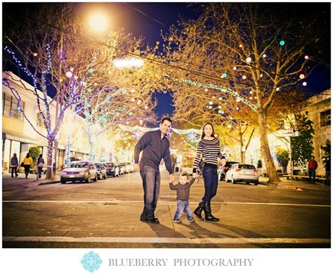 fourth street christmas lights berkeley napa sonoma san francisco wedding photography berkeley family photoshoot on