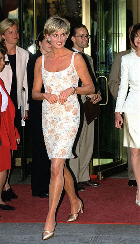 Diana Top Blousd Fashion Casual Bagus Murah the creation of a royal diana s dresses remembered as designer dies photo 15