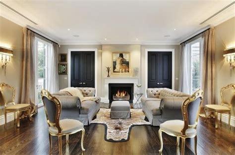 wohnzimmereinrichtung klassisch 13 muhteşem klasik tarz salon dekorasyon modeli