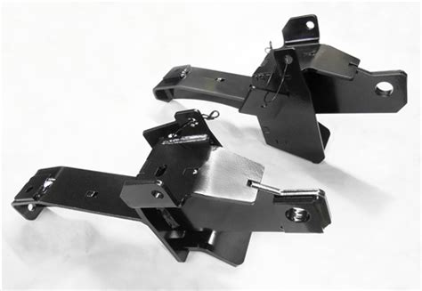 The Fisher Minute Mount 2 Plow Mount Kit 7618 includes the driver side push plate, the passenger