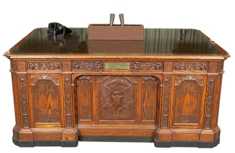 mo79 242 replica of the hms resolute desk f
