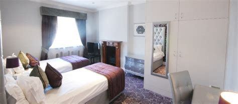 2 bedroom serviced apartment london two bedroom deluxe serviced apartment in marble arch