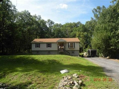 2729 hedgerow ln stroudsburg pa 18360 foreclosed home