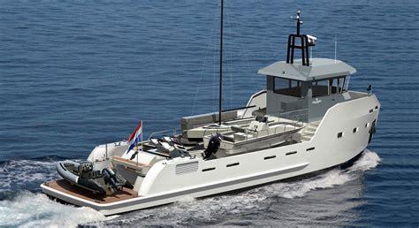 shadow boats brundall xyt 20 a most unusual megayacht tender megayacht news