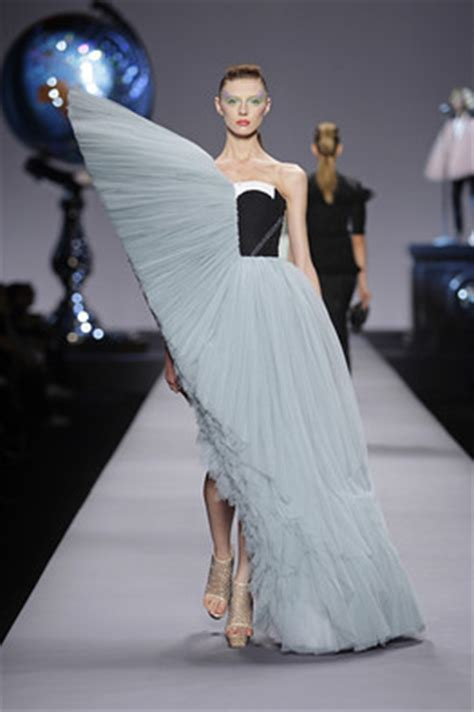 Of The Blogs Viktor Rolf Vogues 90th And Jimmy Choo by Tulle Headlines Viktor Rolf S Credit Crunch Couture