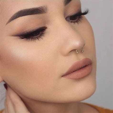 Eyeliner Silky makeup trends 2018 what to wear what not to anymore
