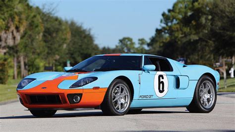 gulf ford gt 2006 ford gt and a gulf jacket buy this and this