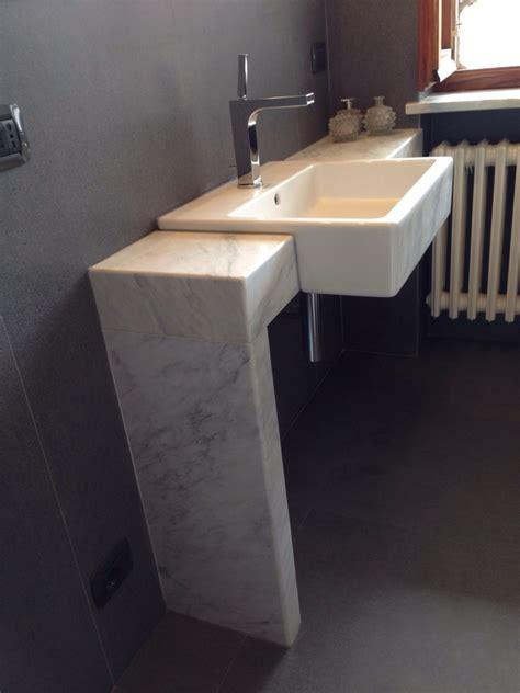 mensole marmo foto lavabo semincassato su mensola in marmo su misura di