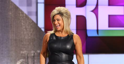 thersa caputllo is that her real hair chattin it up with theresa caputo thereal com