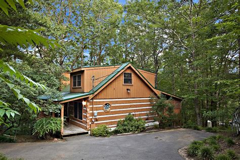 Luxury Cabins In Gatlinburg Tennessee by 6 Secluded Luxury Cabins In Gatlinburg Tn For Your