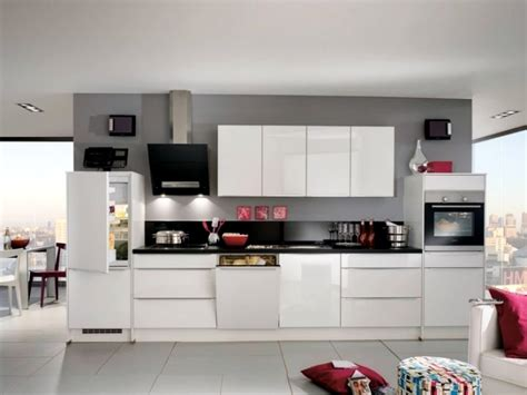 Modern White Gloss Kitchen Cabinets Modern High Gloss Kitchen In White 20 Kitchens With High Gloss Fronts Interior Design
