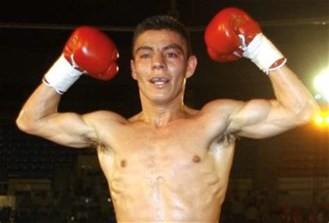 jorge el travieso azteca america to air boxing hispanic marketing