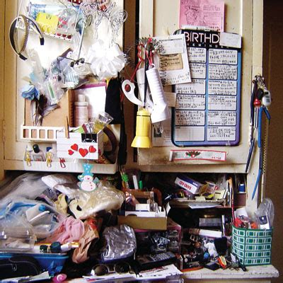 cleaning clutter spring cleaning part deux de clutter your place with